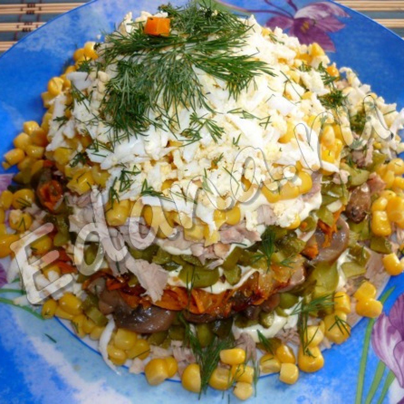 Салат «Осенний» с грибами и курицей