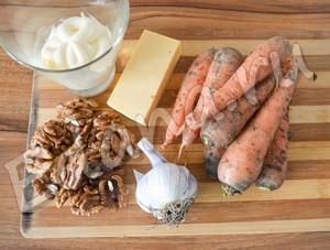 Ингредиенты для морковно-сырного салата