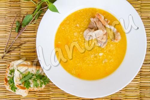 Суп-пюре из тыквы, гороха и мяса