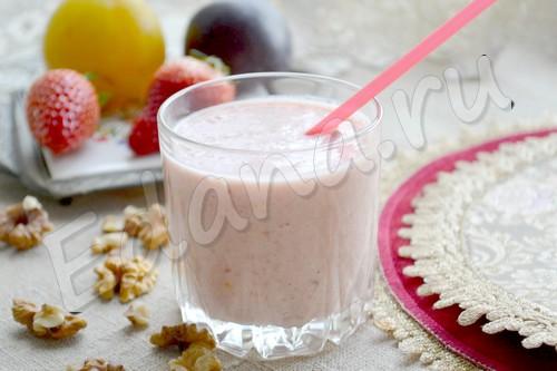Фруктовый смузи с йогуртом