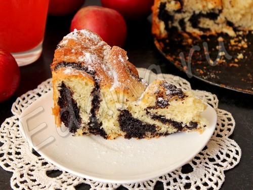 Пирог с маково-масляной начинкой