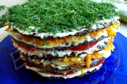 Торт из говяжьей печени с острой майонезной пропиткой