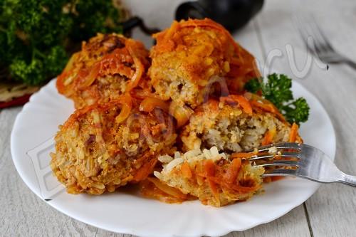 Ленивые голубцы с капустой, фаршем и рисом под «шубкой»
