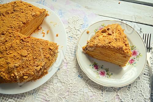 Медовый торт «Рыжик» с заварной пропиткой