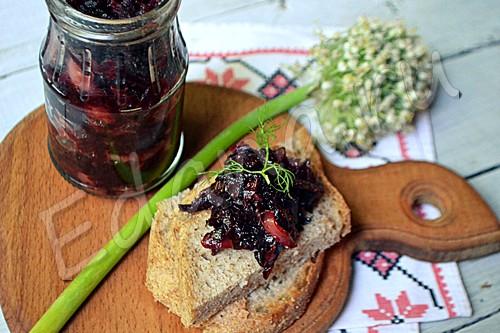Зимняя заготовка: острый свекольный салат