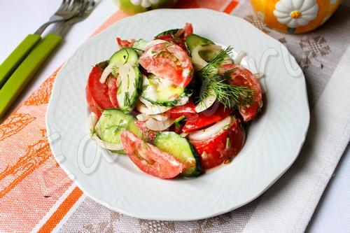 Огурцы и помидоры в дуэте, или 5 вкусных салатов
