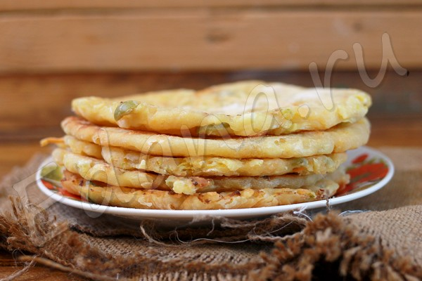 Лепешки из капусты на кефирном тесте