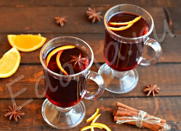 Глинтвейн на красном вине с медом и ароматными специями
