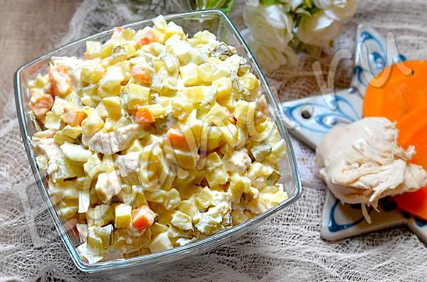 Салат Столичный к курицей - рецепт с фото