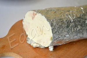 Батон домашней колбасы в фольге