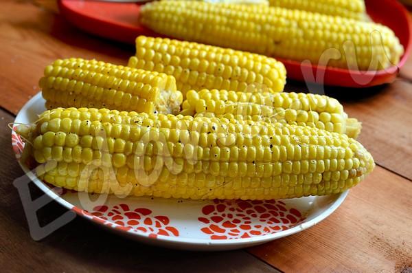 Вареная кукуруза - 6 рецептов с фото