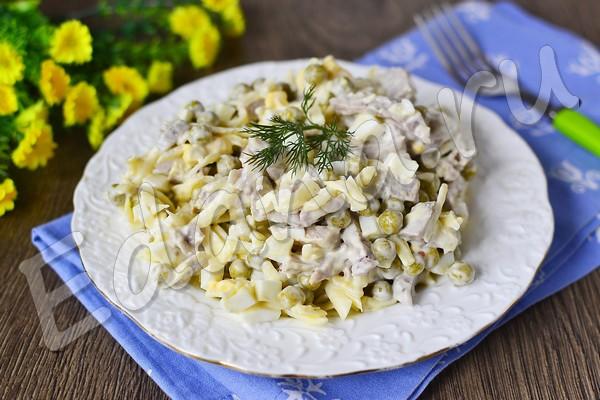 Салат из свинины, горошка и сыра