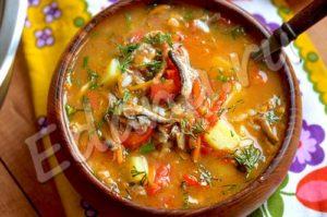 Суп из кильки и томата готов