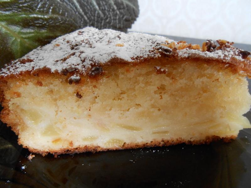 Яблочно-грушевый пирог на сгущенном молоке