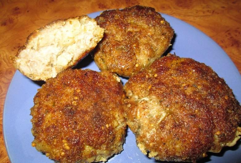 Детские котлетки из варёного мяса с картофелем