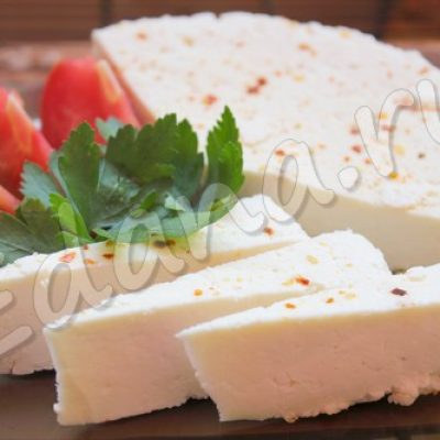 Домашний адыгейский сыр из молока и кефира