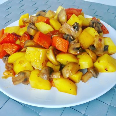 Сочное овощное рагу с грибами по домашнему рецепту