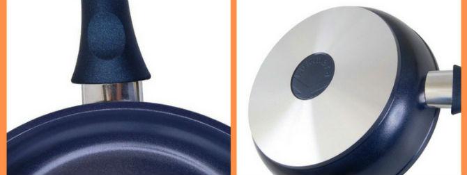 Сковорода с керамическим покрытием темно-синего цвета